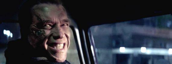 Terminator-Genisys-01-Ny-allez-pas-cest-de-la-merde